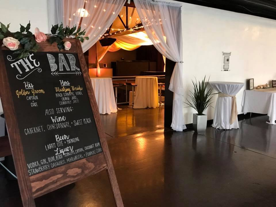 cocktail lounge wedding layout