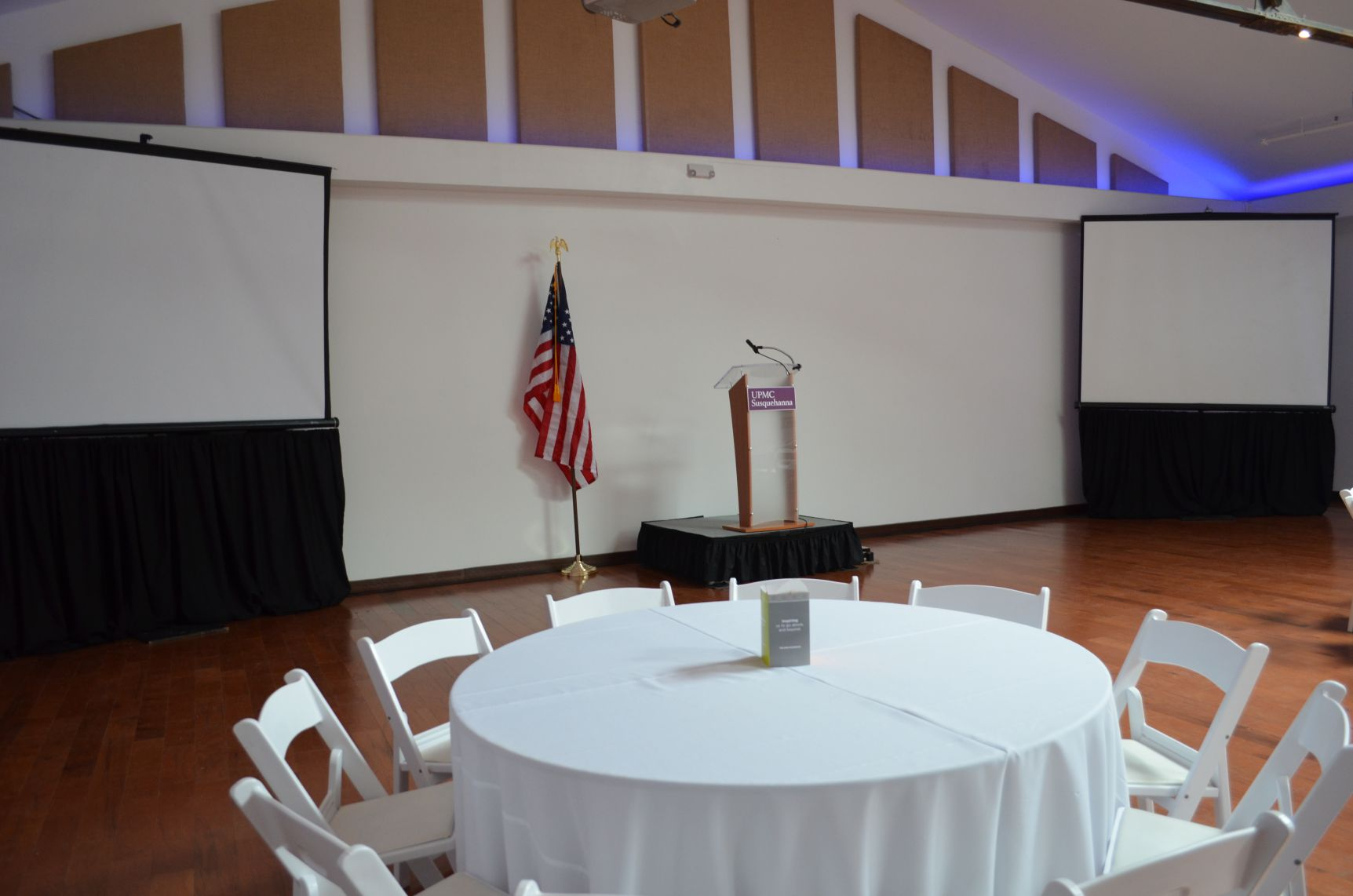 corporate event projector screens